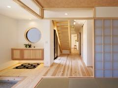 開放的な和モダンの家