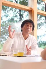 家と庭のトークに熱の入る濱松社長。