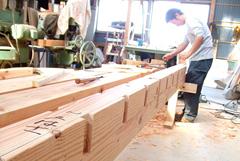 昔ながらの大工の技術である、墨付け・手刻み等を継承しています