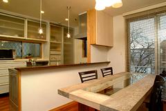 施工・デザイン:中山建設 テーブル制作:Muku-emi