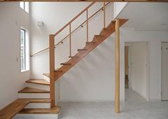 リビングの階段と吹抜けのバランス