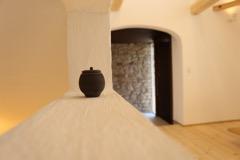 漆喰の機能と質感。綺の家の心地よい家は漆喰からはじまります。
