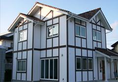 イギリスを意識したハーフティンバーの家